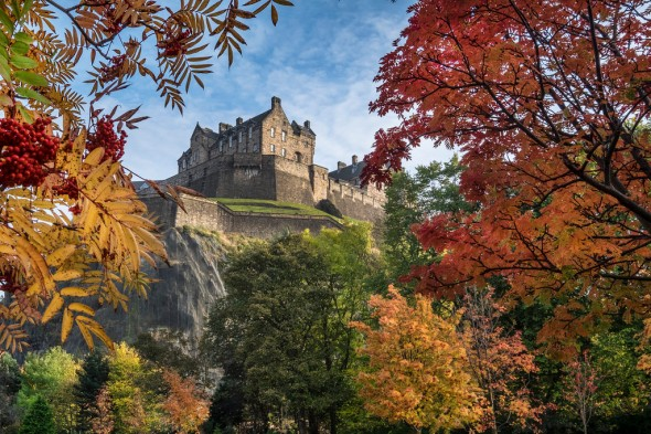 Edinburgh Castle in Autumn - Fuji X-T1, Fuji 10-24mm
