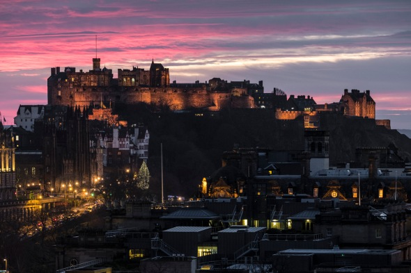 Edinburgh Castle at Sunset - Fuji X-T2, Fuji XF55-200mm